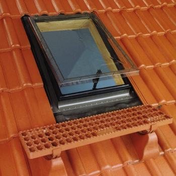 Мансардное окно-люк FAKRO WSZ